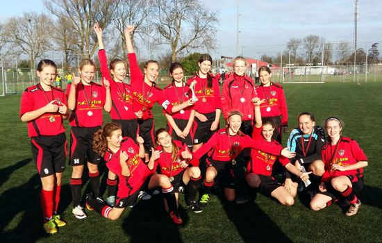 Team MO-15 is de derde kampioen bij IFC Girls Academy